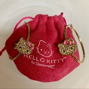 HELLO KITTY GOLD TONE W/GEM HOOP EARRINGS GUC